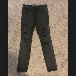 American Eagle black ripped jeggings/ size 8 short
